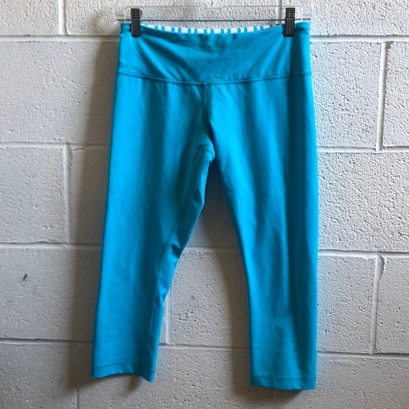 lululemon athletica Pants - Lululemon blue crop leggings sz 6 59671